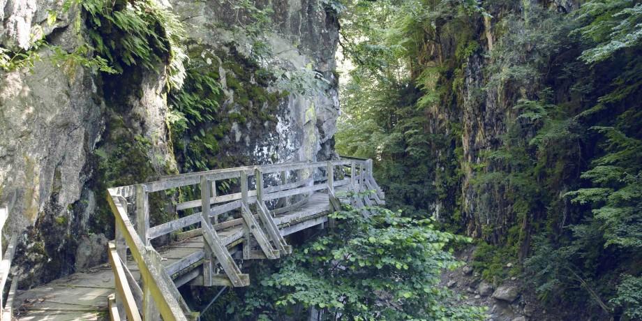 Gorges Mystérieuses de Tête-Noire et grotte aux Nymphes
