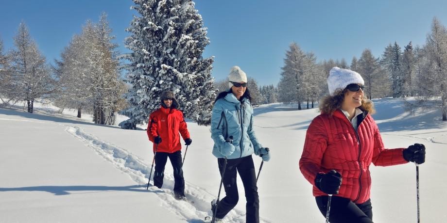 Snowshoe excursion to the Colombire hamlet