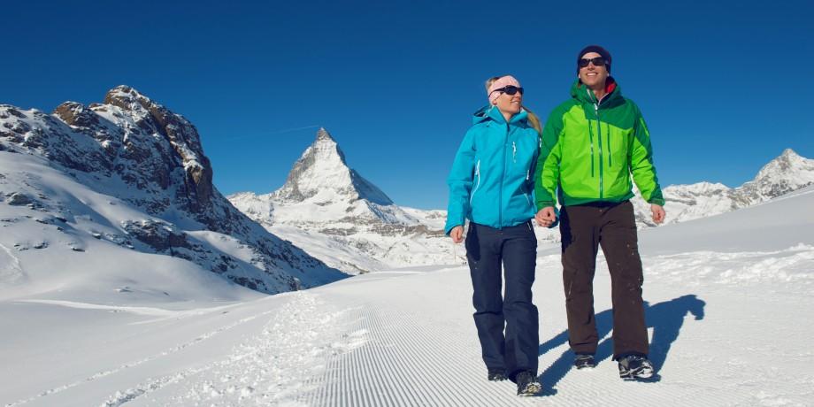 Wandern im Angesicht des Matterhorns
