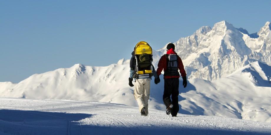 Winter-Weg rund um das Waldhaus