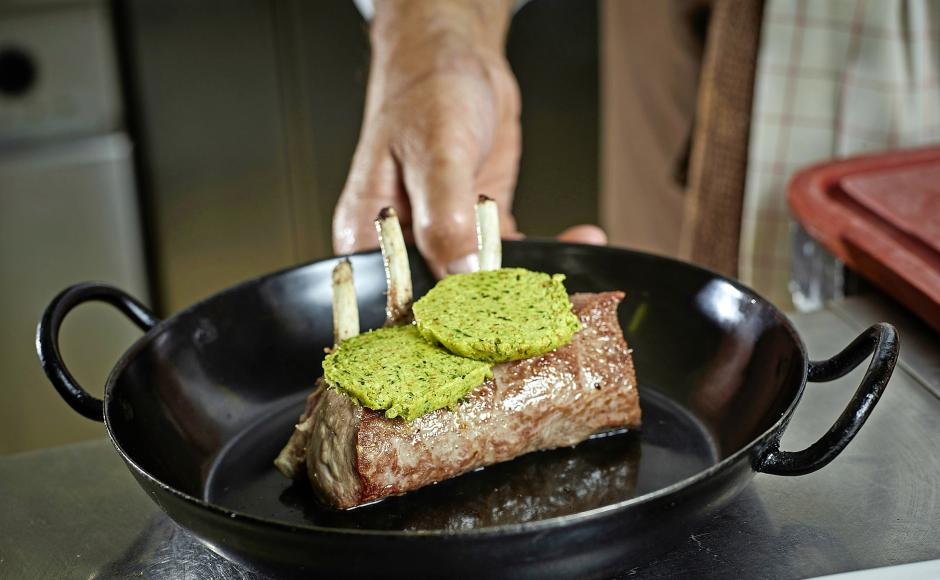 Lötschental rack of lamb with herb crust