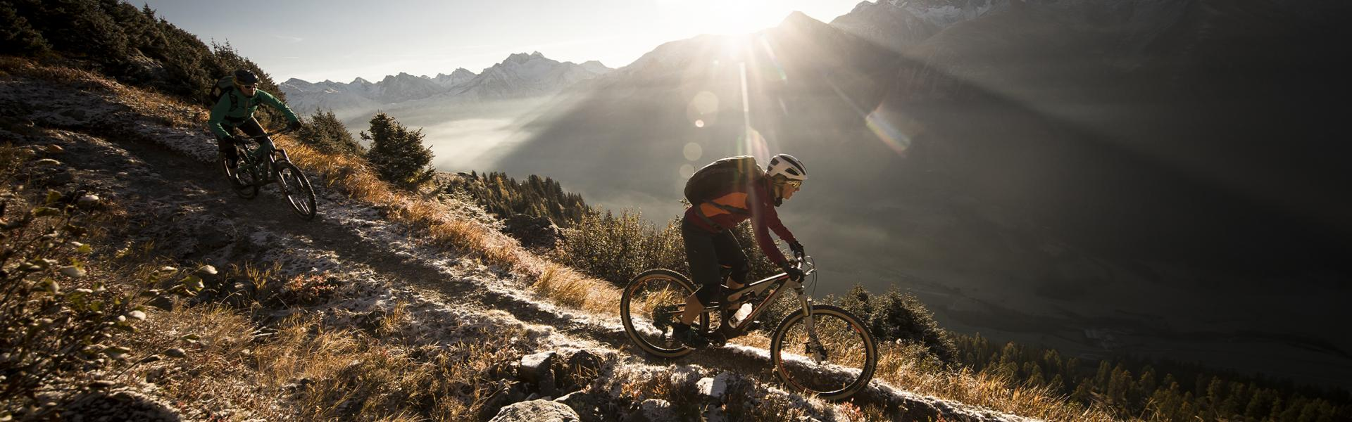 Mountainbiker on the Stoneman Glaciara route, Valais