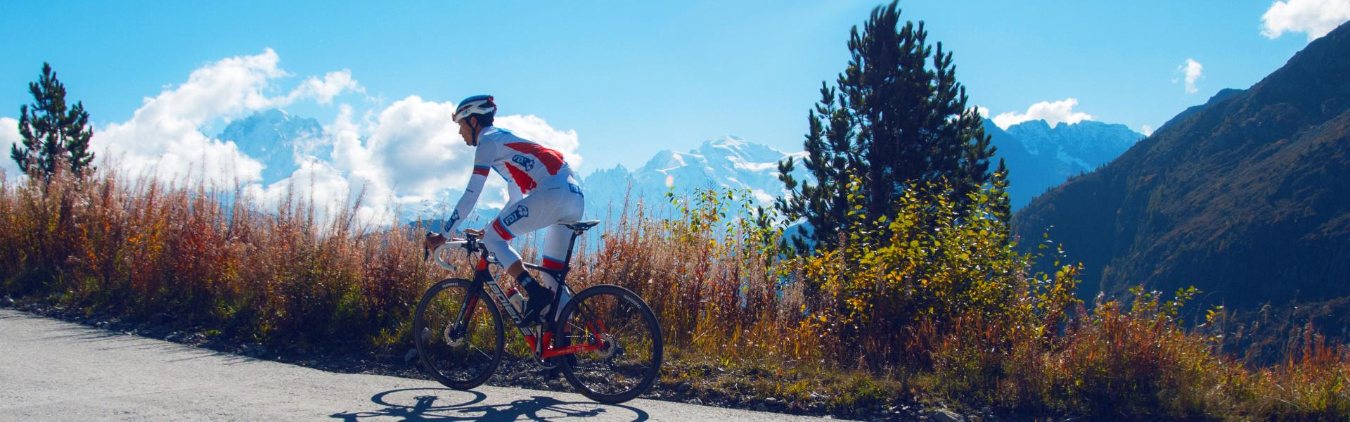 Steve Morabito cycling in Valais