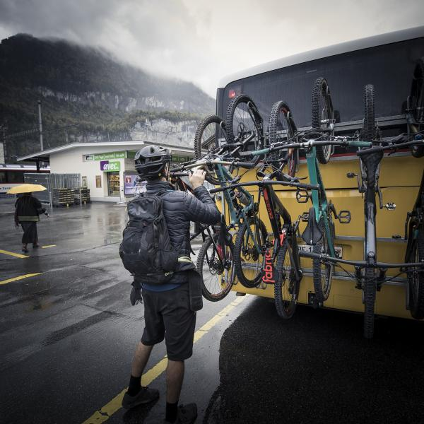 Postbus with mountainbikes, Meiringen