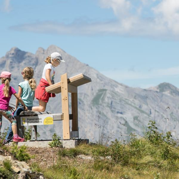 Go on a treasure hunt in Valais, holidays with children, family destination, Nendaz, Valais, Switzerland