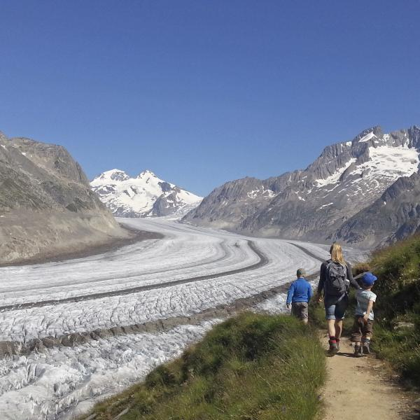 Go on a treasure hunt in Valais, holidays with children, family destination, Aletsch Arena, Valais, Switzerland