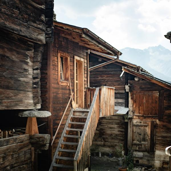Center of the village of Ernen, Stories, Valais, Suisse