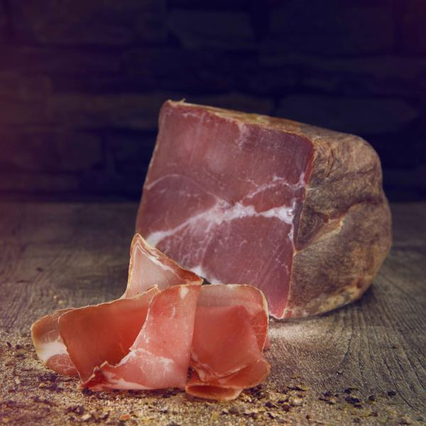 Raw ham from the Valais after drying for several weeks, Valais Wallis, Schweiz Suisse