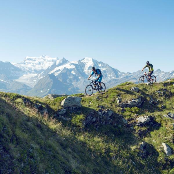 Mountainbike in Verbier, alpines Montainbiken, Berge, Sommer, Panorama