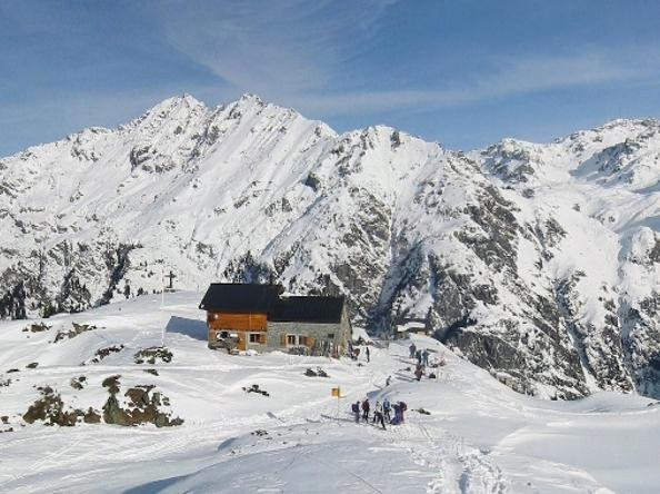 Côté Valais invites you during the whole year to discover organized or tailor-made trips to the heart of the Alps, Valais