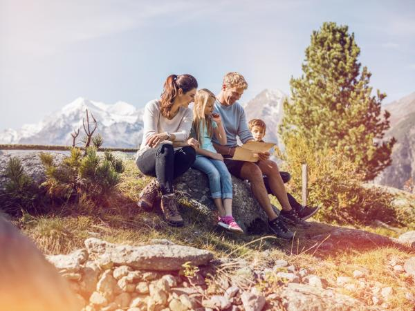 Go on a treasure hunt in Valais, holidays with children, family destination, Grächen, Valais, Switzerland