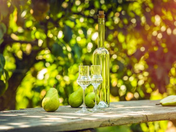 Pear Eau de Vie Williamine Marchio Vallese Wallis Valais Schweiz Swizerland
