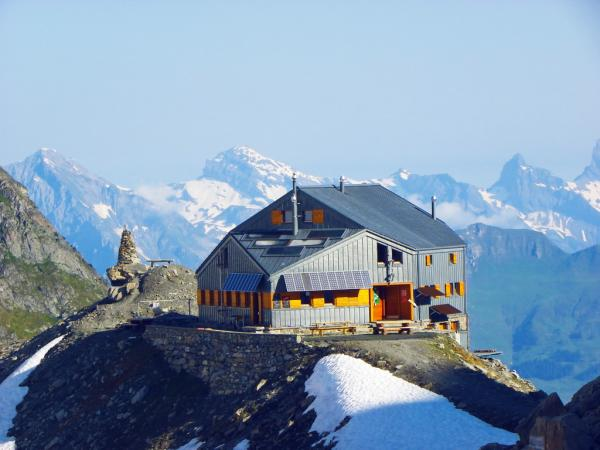 hut, SAC, mountains, alpine, valais
