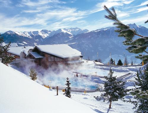 Thermalbad in Ovronnaz im Winter, Wallis
