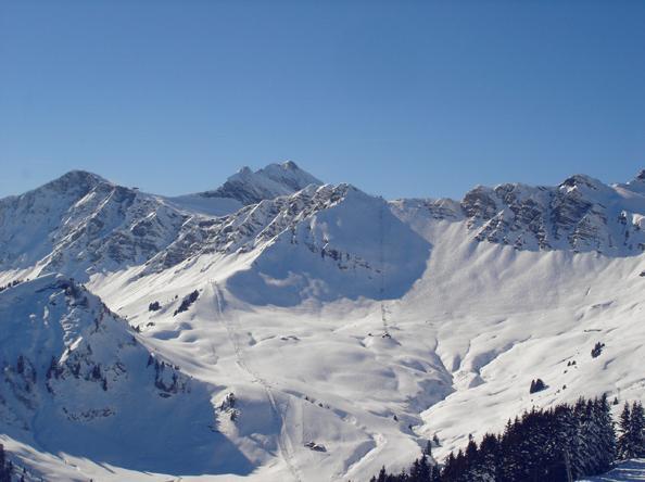 Le Pas De Chavanette Die Schweizer Mauer Traumabfahrten Mit Ski