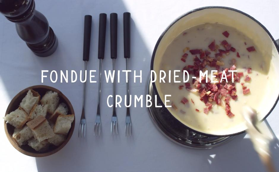 Video Fondue with dried-meat crumble Valais Wallis Schweiz Switzerland