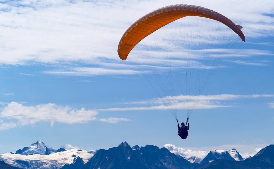 Paragliding & hang gliding in Anzère: Ecole de parapente d'Anzère