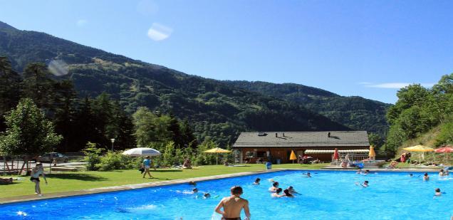 Es Hat Ein Beheiztes Schwimmbecken (25°C 28°C) Und Ein Planschbecken Für  Kinder. Vor Ort Stehen Ihnen Eine Imbissstube, Ein Spielplatz, ...